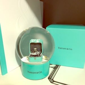 Tiffany & Co. Collectors snow globe